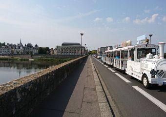Balades citadines à bord d'un petit train touristique