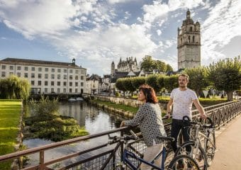 Depuis le château de Chenonceau, rejoignez Loches et sa Cité royale à vélo !