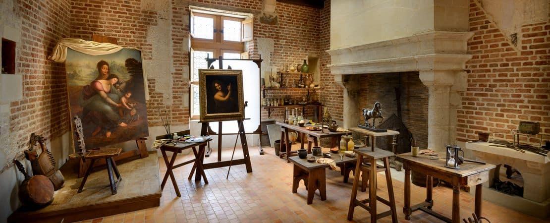 L'atelier de Léonard de Vinci et des tableaux