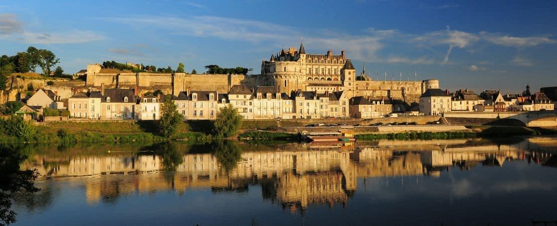 Vue depuis la Loire sur le château
